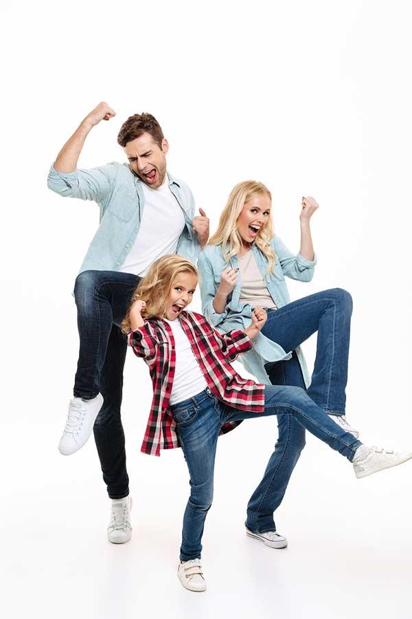 Famille heureuse; aide aux parents pour enfant difficile